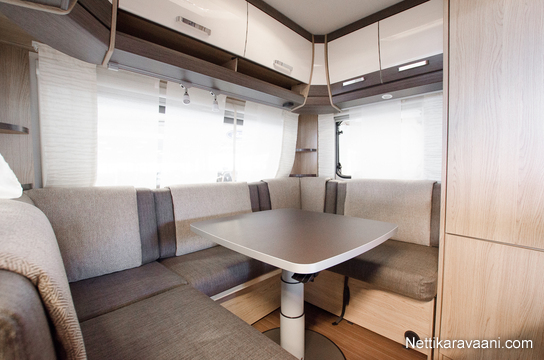 b rstner averso 490 tl alde t h n vaunuun rahoituskorko vain 0 99 2017 travel box. Black Bedroom Furniture Sets. Home Design Ideas