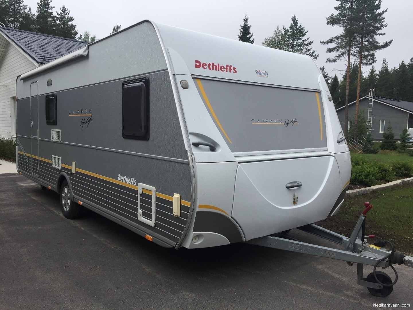 dethleffs camper lifestyle 560sk 2009 travel box nettikaravaani. Black Bedroom Furniture Sets. Home Design Ideas