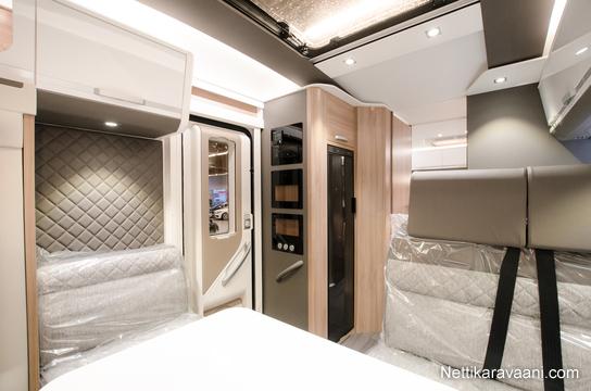 adria coral plus s 670 sl fiat fiat 2 3 jtd 150 multijet. Black Bedroom Furniture Sets. Home Design Ideas
